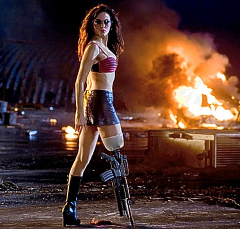 Planet Terror. También teníamos una propuesta que involucraba a Scarlett y ametralladoras, no pegó.