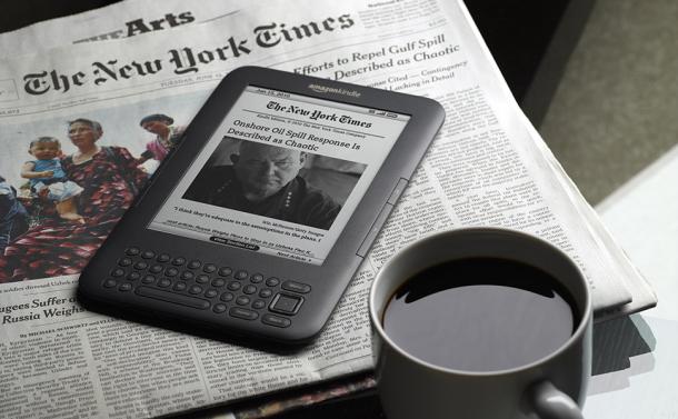 El New York Times, en edición impresa y para Kindle.
