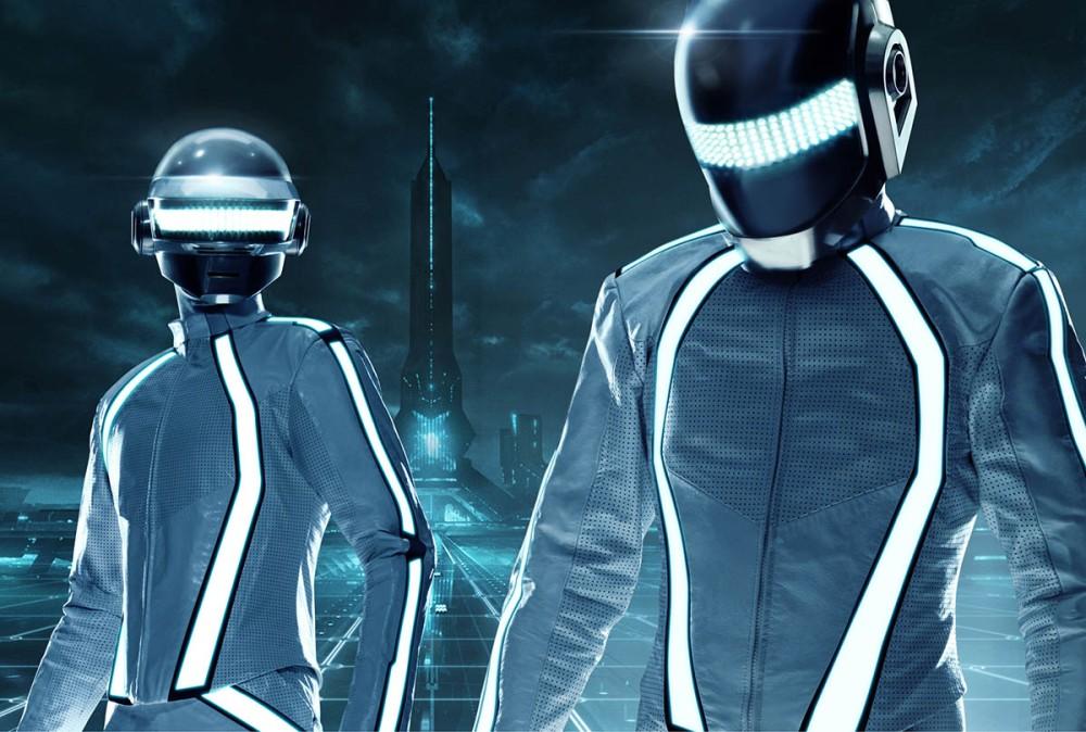 Tron: Legacy R3CONFIGUR3D ofrece mezclas de M83, Paul Oakenfold, The Crystal Method, Sander Kleinenberg, Moby, entre otros.
